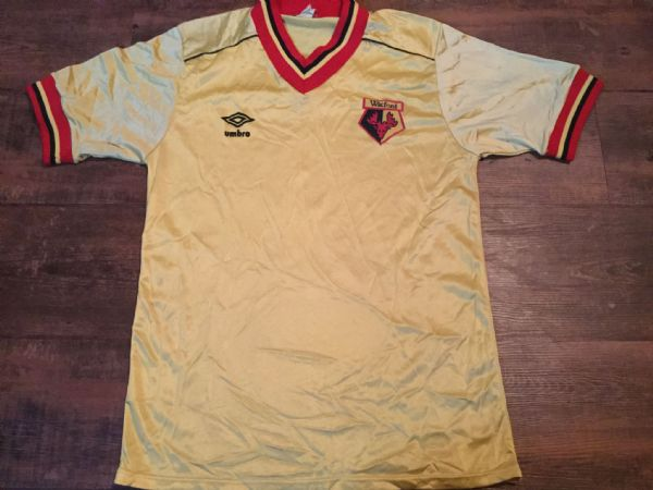 1982 1985 Watford Football Shirt Adults Medium